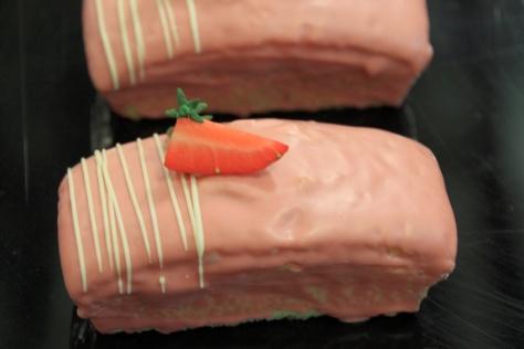 Plum Cake de fresa   ---   Fotografía tomada por Neli